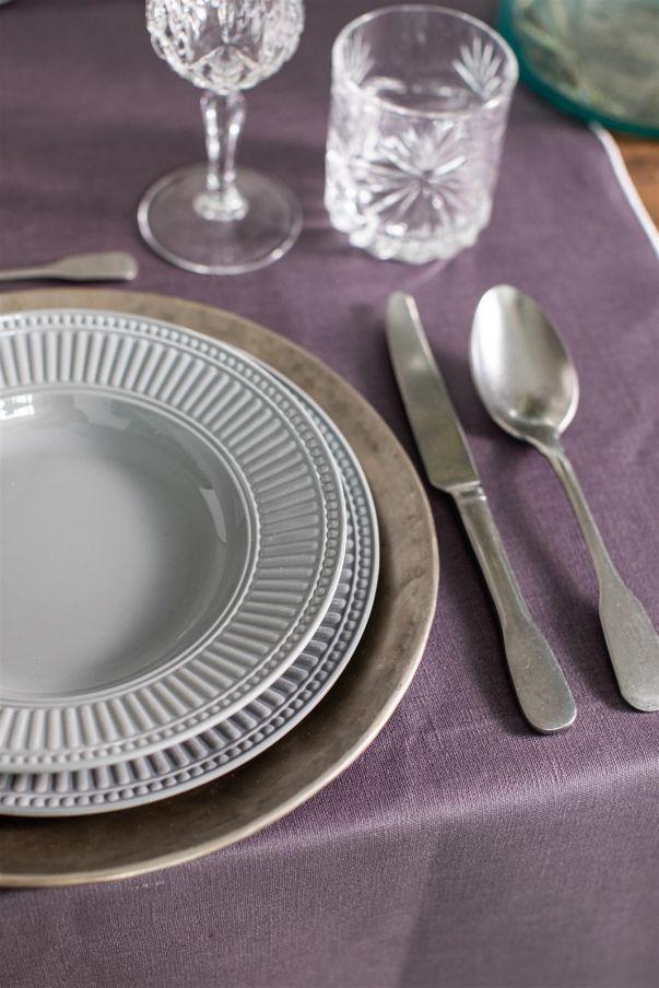Dinnerware set in Melamine
