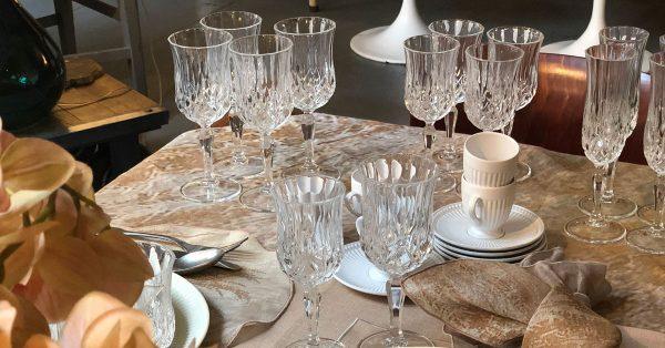 The elegant table